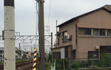 線路沿いの家